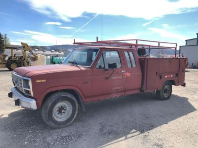 1985 Ford F-250 Extra Cab Service Truck