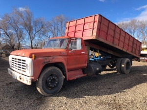1975 Ford F750 Truck