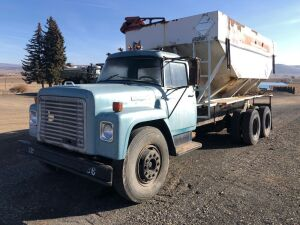 1973 International Loadstar 1800 Tender Truck